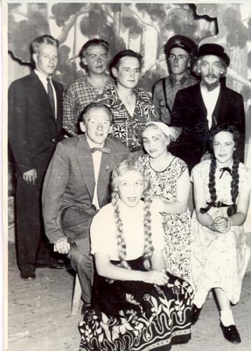 Onnen sormus näytelmä v. 1955